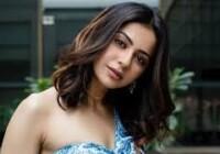 अभिनेत्री रकुल प्रीत सिंह और अभिनेत्री दीपिक पादुकोण की मैनेजर करिश्मा नारकोटिक्स कंट्रोल ब्यूरो पहुंची पूछताछ जारी
