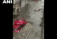 तेलंगाना और आंध्र प्रदेश में बारिश ने किया हाल बेहाल राष्ट्रपति और पीएम मोदी ने की वंहा के मुख्यमंत्रियों बात