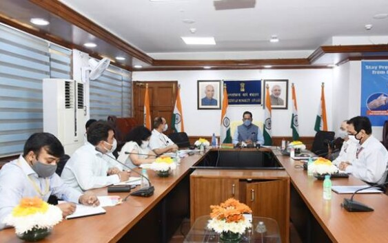 मुख्तार अब्बास नकवी ने हज यात्रा 2021 के सम्बन्ध में समीक्षा बैठक की