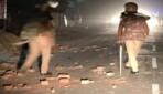 बाराबंकी के रामसनेहीघाट में धार्मिक स्थल को लेकर बवाल, SDM आवास-पुलिसकर्मियों पर पथराव