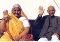 गुरु पूर्णिमा विशेष : जानिए गायत्री परिवार के संस्थापक पं श्रीराम शर्मा आचार्य और माता भगवती देवी शर्मा के बारे में सब कुछ