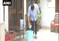 दिल्ली के मुख्यमंत्री अरविन्द केजरीवाल ने 10 हफ्ते तक हर रविवार 10 बजे, 10 मिनट अभियान की शुरुवात की